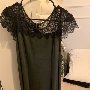 Green shirt sleeve dress with black lace
